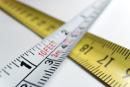 Målebånd viser at du selv kan bestemme størrelsen på klistremerkene.